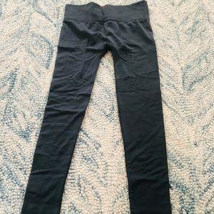 Brand new HUE plush leggings